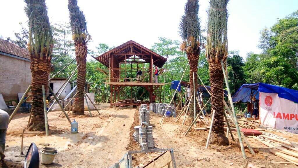 Kampung Kurma Sirnasari Tanjungsari